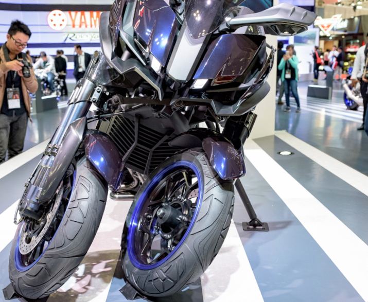 Yamaha Mwt 9 3 Wheels One Job Twistandlean